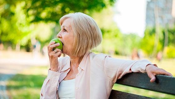 Prótesis dental: proporciona bienestar, comodidad y estética. Además, masticaremos con mayor eficacia.